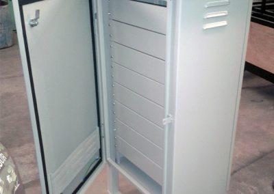 Gabinetes con panel rack